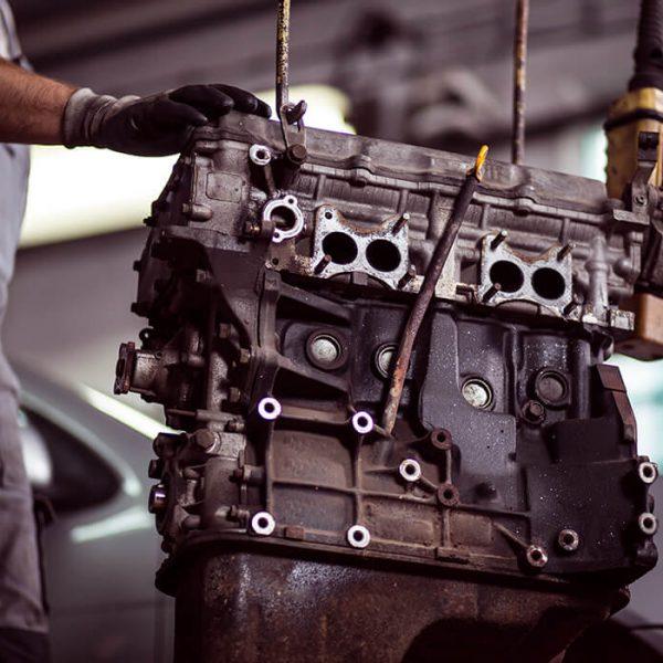 BMW specialist mechanic